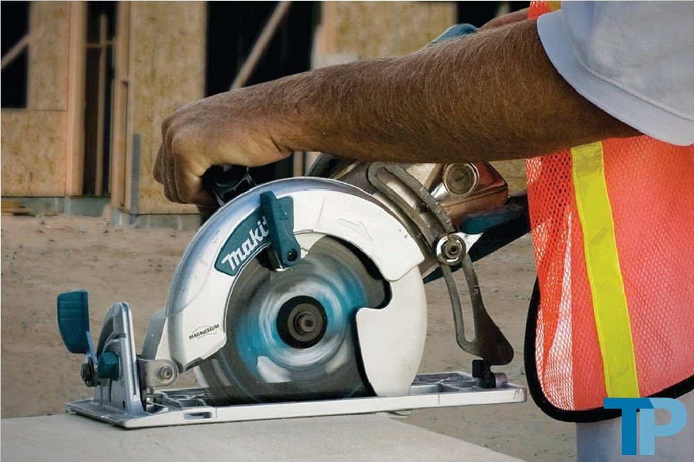 Makita 5377MG Magnesium 7-1/4-Inch Hypoid Saw Review