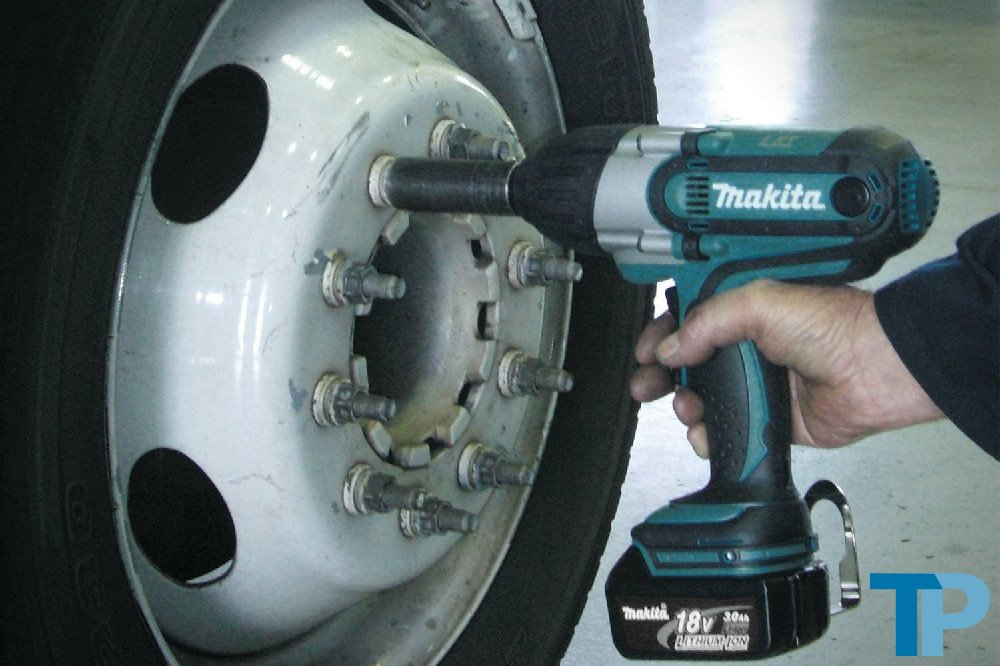 best cordless impact wrench 2018