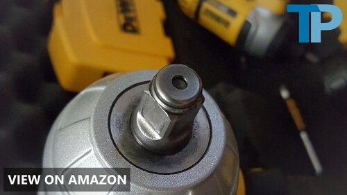 DEWALT DCF899HB vs Milwaukee 2767-20 M18