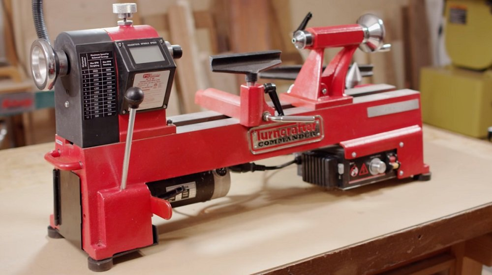 How To Use a Lathe?